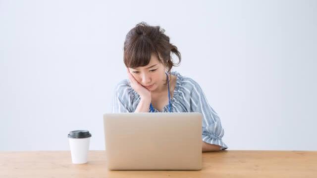 仕事が暇な時にするべきことは?暇でつらい時間を前向きに過ごす方法