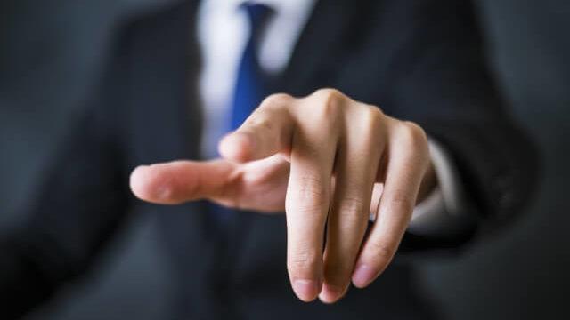 マイクロマネジメントはパワハラ?ストレスでうつ退職しない上司対策
