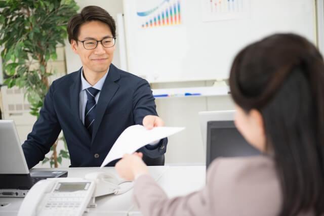 上司のコミュニケーション不足で引き起こされる課題とは?