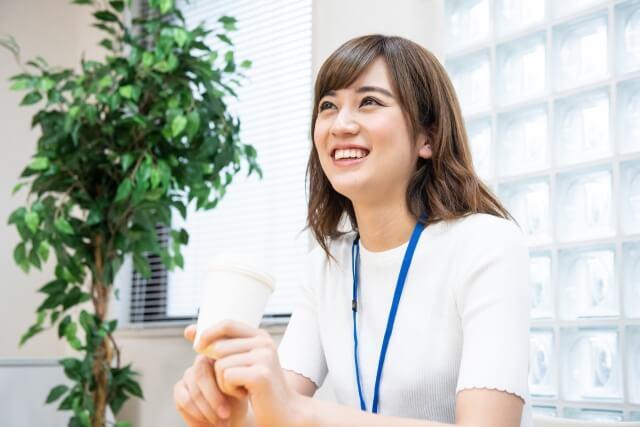 職場が和むのは女性ムードメーカーのおかげだという理由
