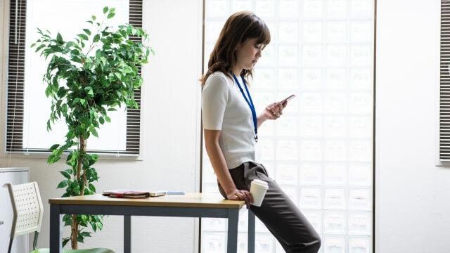 職場の苦手な人に緊張する原因や症状とは?職場で嫌いな人の対処法とは?